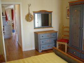 Blick von dem Schlafzimmer das Wohnzimmer