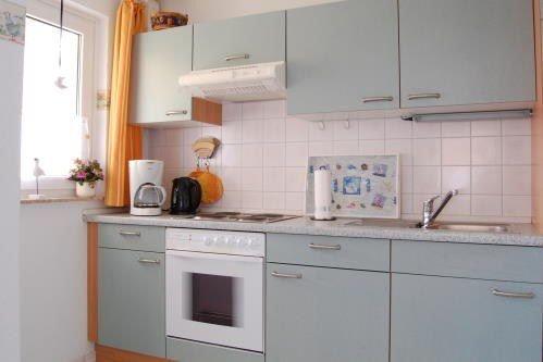 Sehr gut ausgestattete Küche, hier finden sie alles von A wie Auflaufform bis Z wie Zitronenpresse