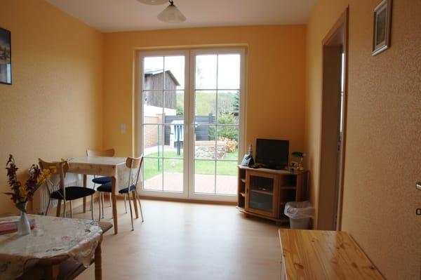 Wohnzimmer, Blickrichtung Garten