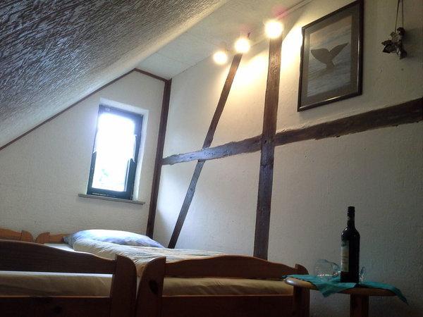 Schlafraum mit Dachschräge
