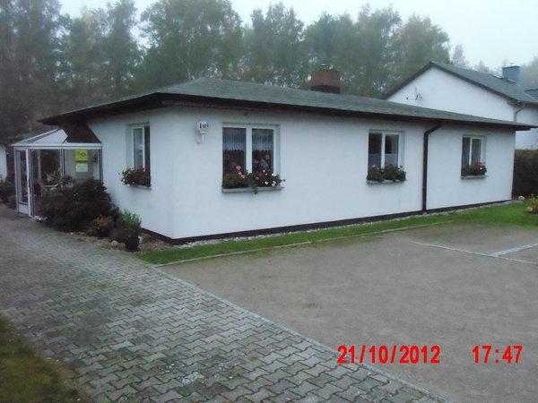 Wohnhaus mit Ferienwohnung, Wintergarten im Innenhof