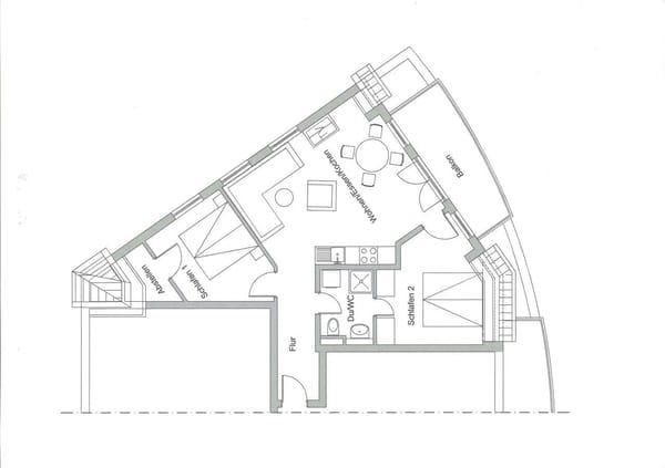 Grundriss (man beachte z. B. das von zwei Seiten zugängliche Bad)