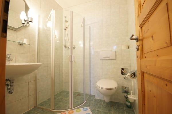 Bad mit Dusche ebenerdig