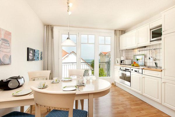 Die Küche ist mit allen Annehmlichkeiten ausgestattet.