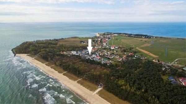 Der Blick von oben auf 'Ihr Zuhause am Meer'