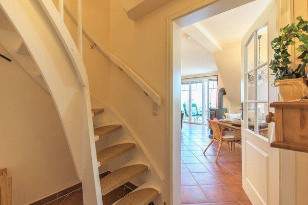 Eingangsbereich mit Treppenaufgang zum Schlafzimmer
