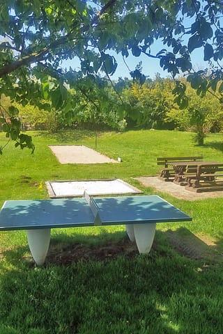 Tischtennis, Sandkasten und Boccia