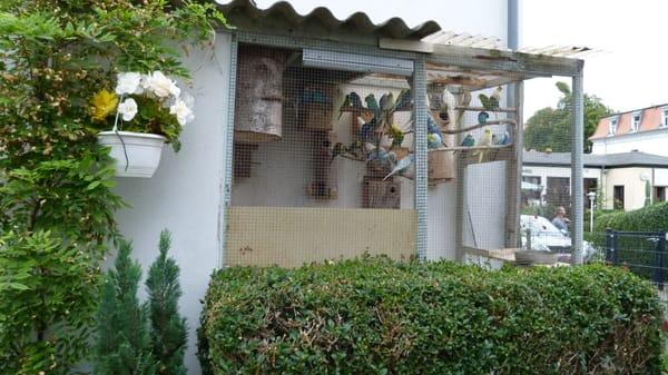 Vogelvoliere im Außenbereich