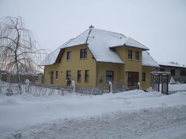 Gesamtansicht im Winter - Nordostseite -
