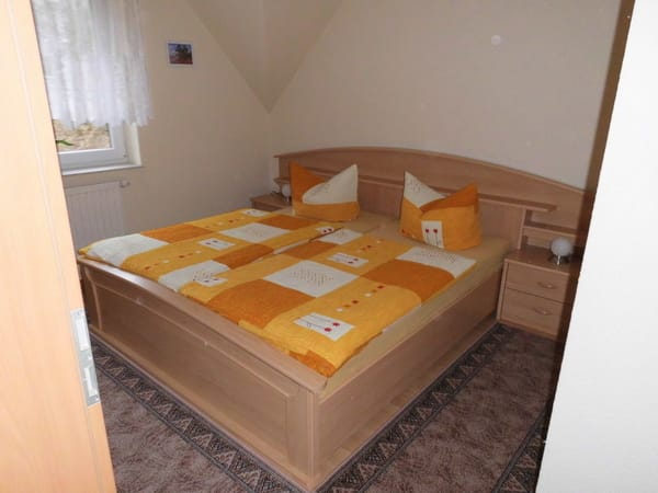 Schlafzimmer mit Bettanlage
