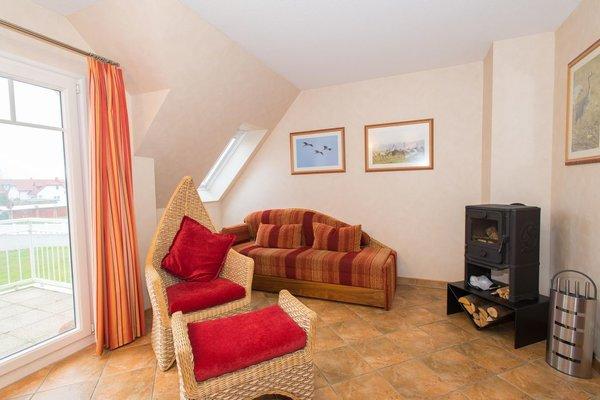 Bis 2 personen 47 qm 1 schlafzimmer mit doppelbett küchenzeile wc und dusche balkonmeerblickdachschrägekamin