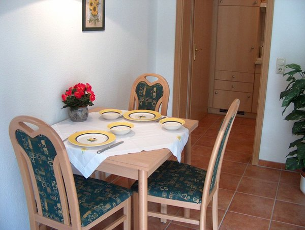 Essplatz (Tisch ausziehbar)