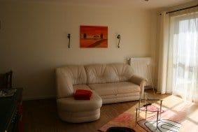 Wohnraum mit ausziehbarer  Schlafcouch  für 2 Pers.