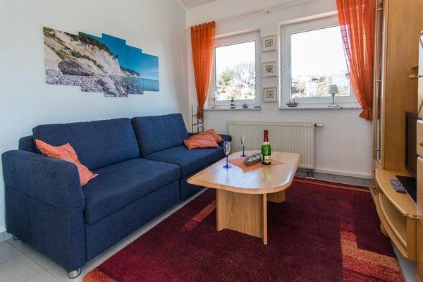 die Couch ist auch ein Schlafsofa mit einer Liegefläche von 180X200