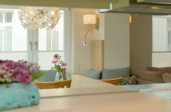 Das Appartement wurde von der professionellen Hand eines Innenarchitekten eingerichtet. Die farbliche Gestaltung in Pastell ...