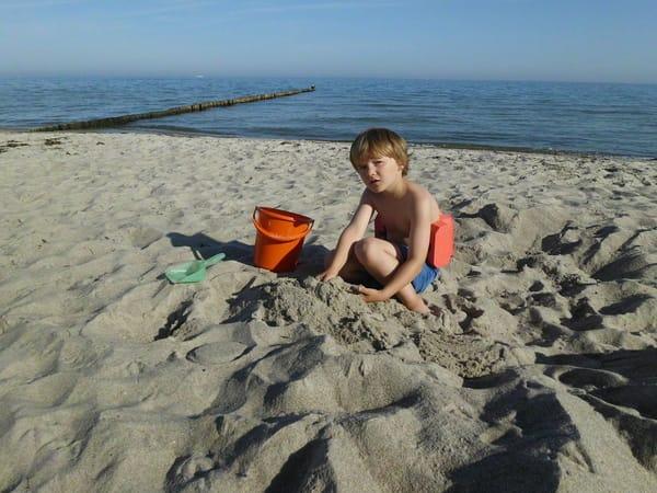 Buddeln am Strand für die Kleinen