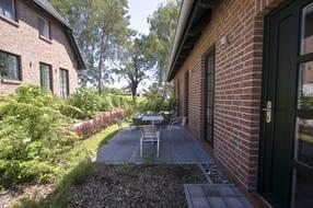 Terrasse mit Einganssituation