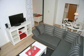 gemütlich und modern das Wohnzimmer