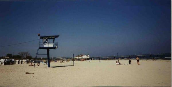 Strand vor der Villa Anna.