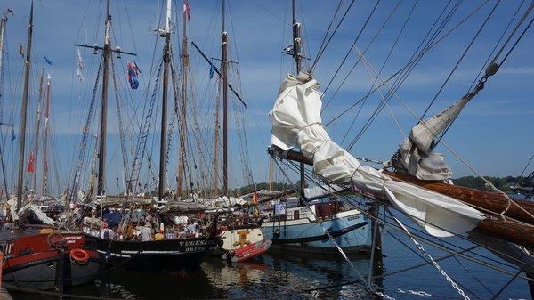 Schiffe gucken im Hafen