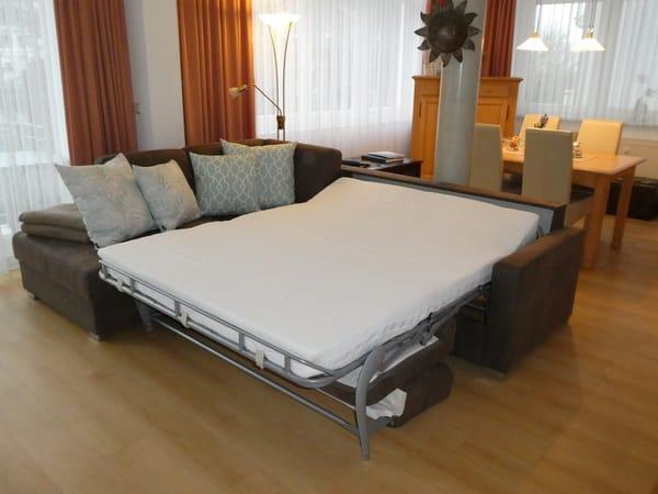 Ecksofa mit vollwertiger Matratze für einen erholsamen Schlaf