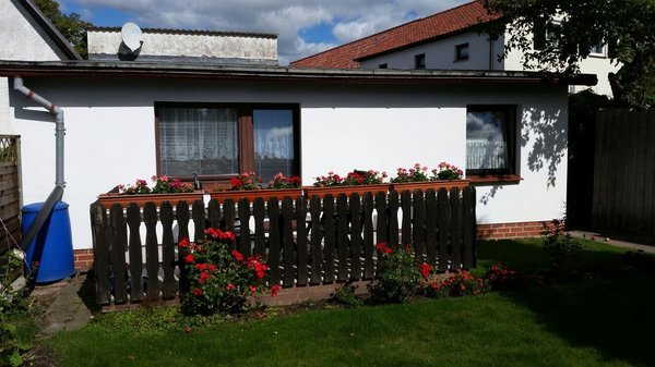 Ansicht Ferienhaus hinten mit Terrasse