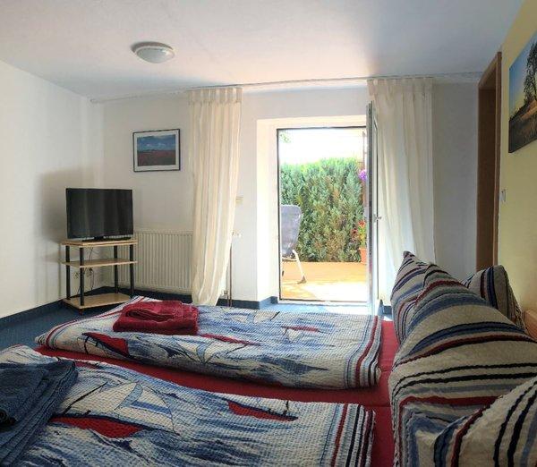 2. Schlafzimmer mit eigenem Bad und Dusche