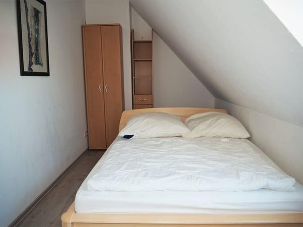 kleine Schlafzimmer OG