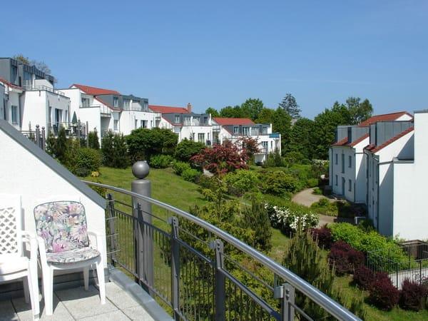 Blick vom Balkon SO, Richtung Ferienanlage