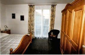 Schlafzimmer 1 (15 qm)