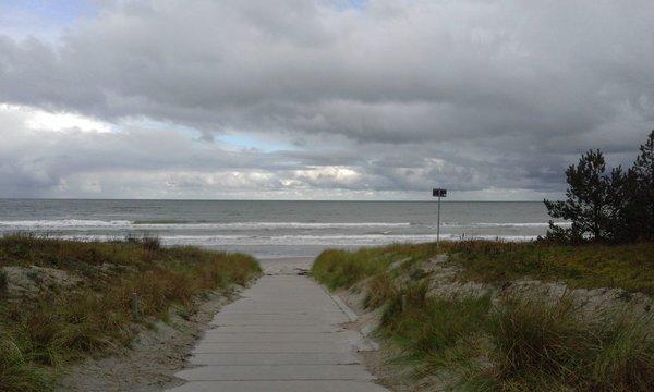 Strandabgang in Breege im Herbst