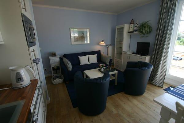 Gemütliche Sitzecke mit Schlafsofa 2x2m