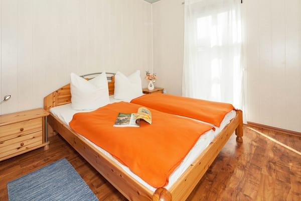 Ferienhaus Villa See-Eck - Schlafzimmer 1