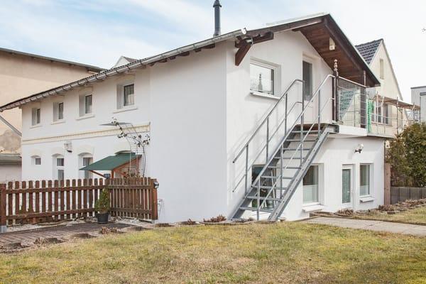 Gartenhaus der Villa See-Eck - Außentreppe zur Feriwnwohnung