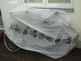 2 Fahrräder auf der Terasse