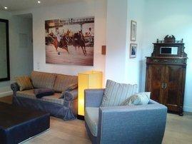 Couch und Sessel neu bezogen