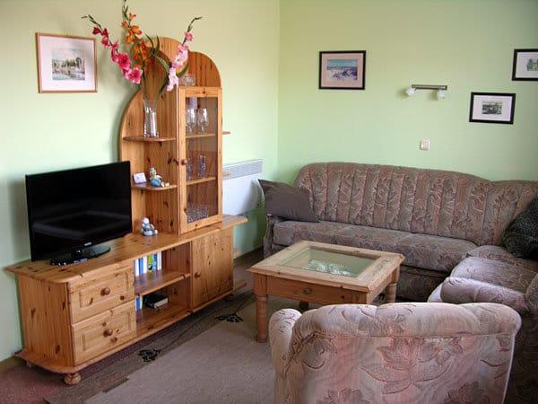 Wohnzimmer mit SAT-TV