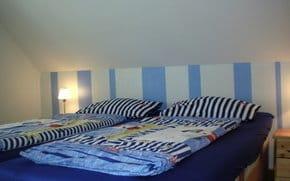 Schlafzimmer, 3. Bett steht gegenüber