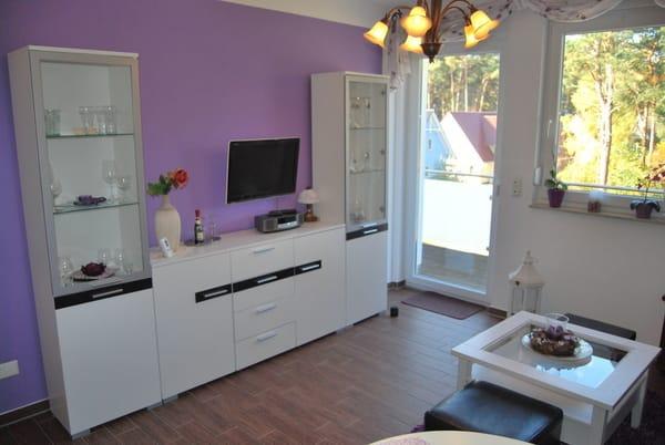 Wohnbereich mit TV und Radio