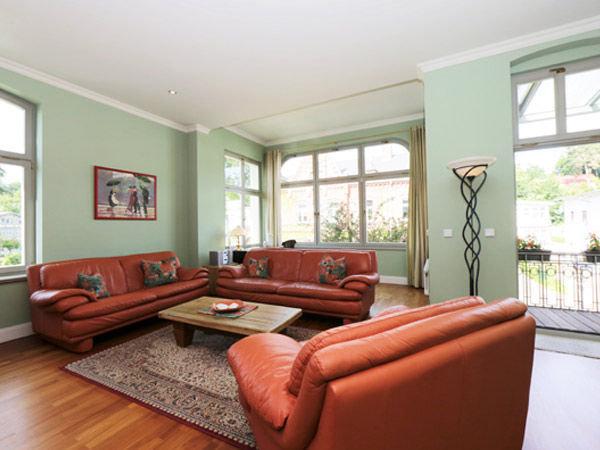 Villa brise 3 zimmer ferienwohnung app 1 heringsdorf usedom ostsee - Sitzgruppe wohnzimmer ...