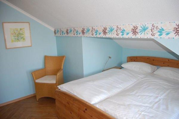 geräumiges Schlafzimmer  mit viel Abstellmöglichkeiten