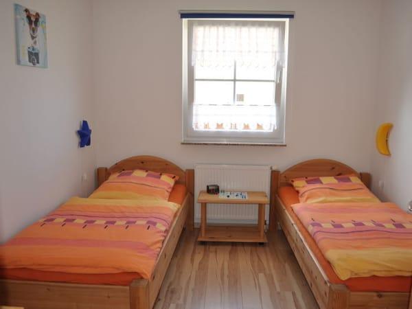 Schlafzimmer 2/ Kinderzimmer