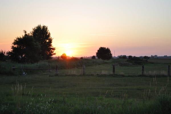 Unverbauter Blick - den Sonnenuntergang geniessen !