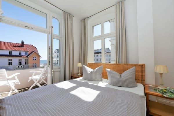 Schlafen 2 mit Seeblick und Balkon Seeseite