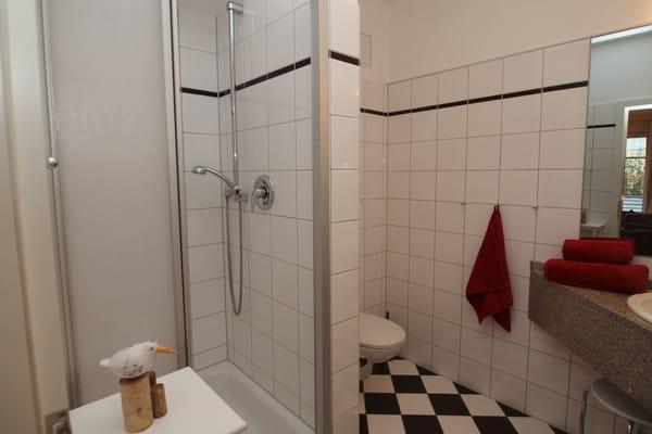 Badezimmer mit Kosmetikspiegel