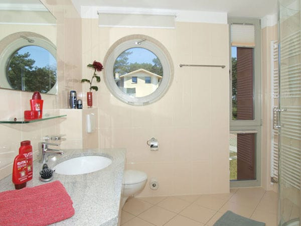 Duschbad mit Fenster
