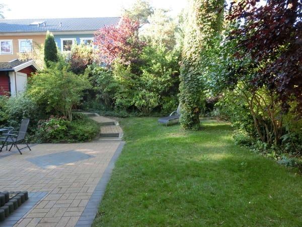 Blick in den Garten Ferienhaus Tabea