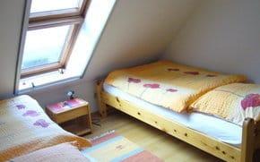 Schlaf- und Jugendzimmer mit direktem Boddenblick