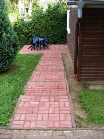 Bungalow 5 mit Terrasse und Zuwegung