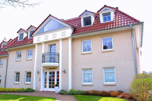 Unsere Ferienwohnung liegt in einem geschmackvoll gestalteten Haus und ist nur 200m vom Strand sowie 300m vom Zentrum entfernt.